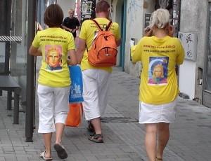 Rodinka Anjelov svetla na nákupoch