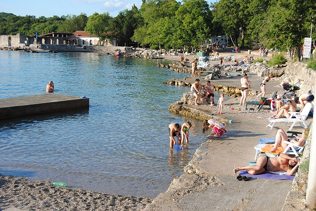 Upravená pláž na Krku