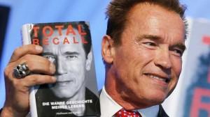 Arnold Schwarzenegger Total Recall kniha